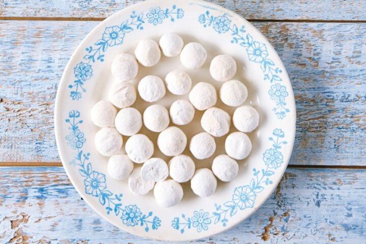 Курут (сырные шарики)