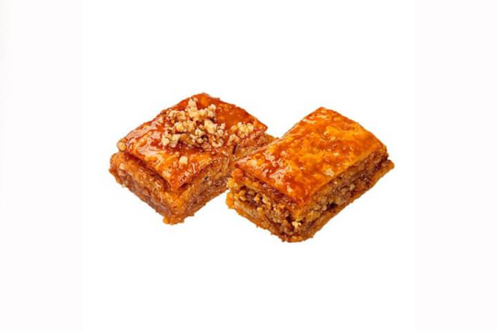 Пахлава с мёдом и гр. орехом .